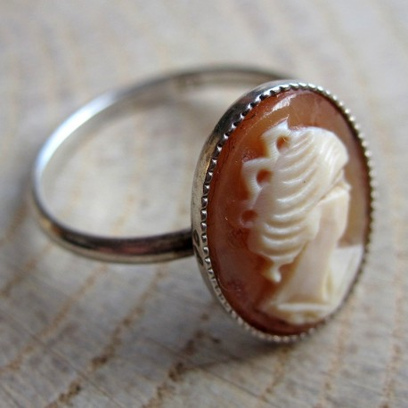 Zilveren ring schelpcamee