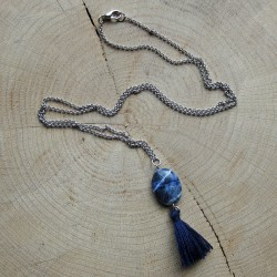 Halsketting blauwe hanger kwastje